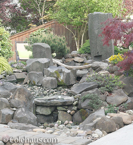 Dry fountain or pile of rocks? - 2016 © Colehaus.com and Colehauscats.com